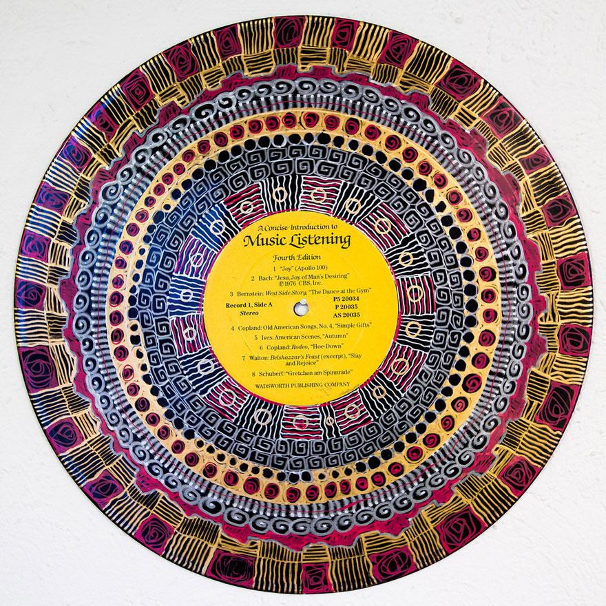 vinyl-record-mandalas-hand-painted-sara-roizen-31