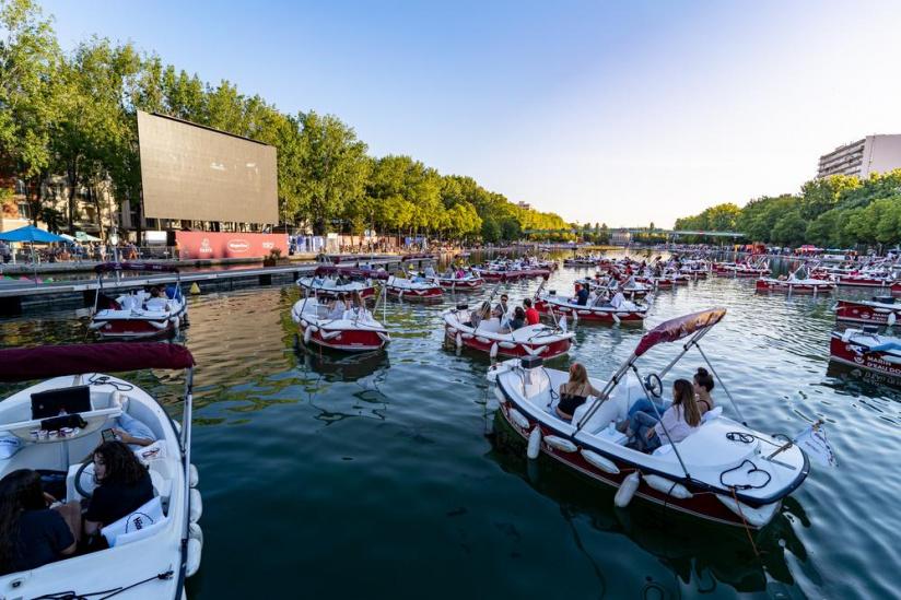Ciné-karaoké sur l'eau Paris